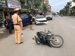 Bảo vệ hiện trường vụ tai nạn giao thông của cán bộ Cảnh sát giao thông