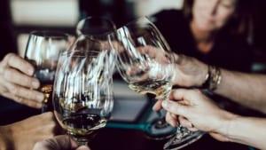 Quy định pháp luật về phân phối rượu có độ cồn từ 5,5 độ trở lên